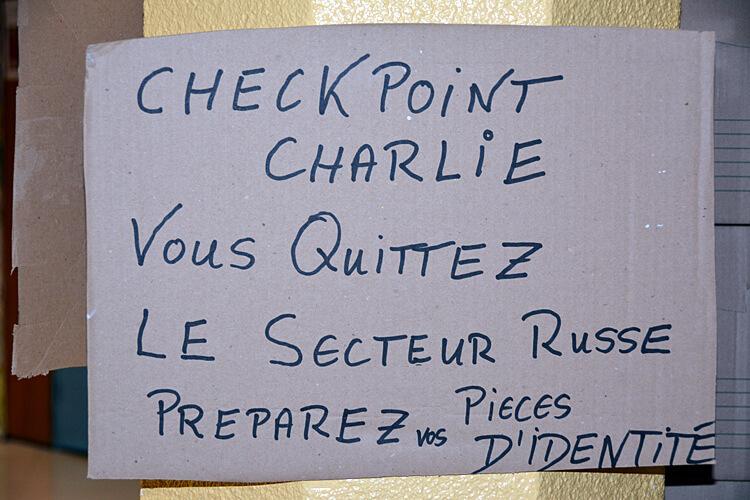 Mauerfall im Lycée: Demonstrationsplakaten