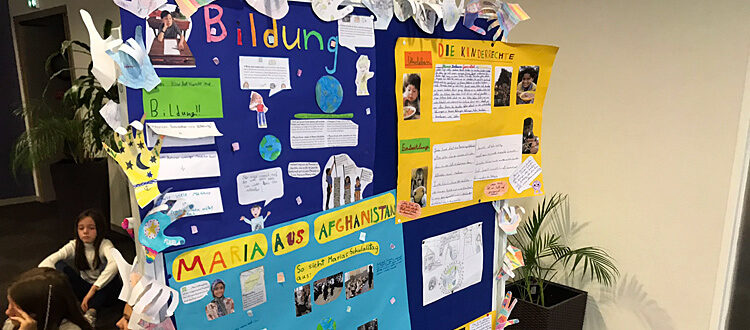 Projektwand zur UNICEF Kinderrechtswoche Nov. 2019 an der Grundschule