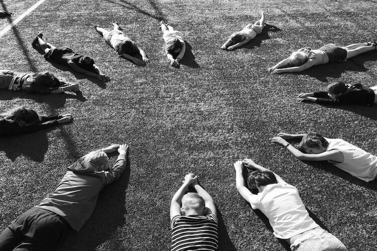 eutsche Schule Toulouse: Abschluss 2020 Herz Fotograf: Christina Claßen
