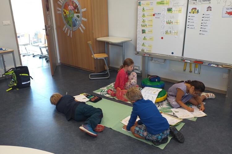 Deutsche Schule Toulouse: Arbeitssystem Fotograf: Silvia Mira