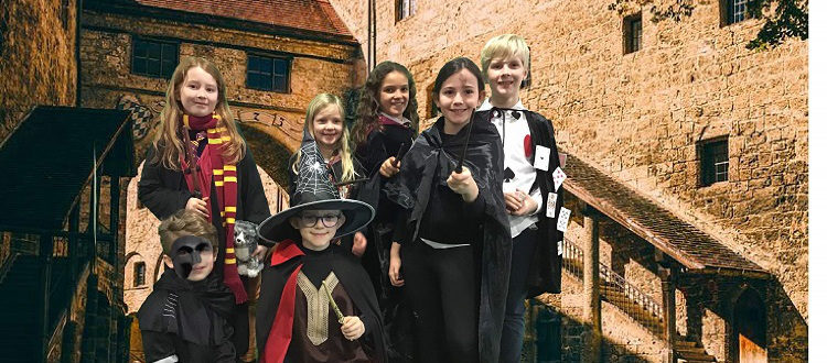 Deutsche Schule Toulouse: Fasching 2020 Zauberer Fotograf: Beate Messner