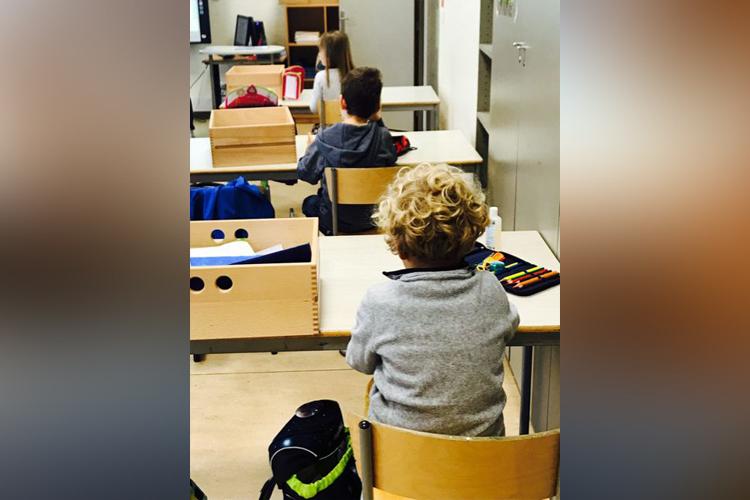 Deutsche Schule Toulouse, Grundschueler, Abstandsregel