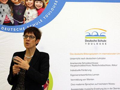 DST Kulturelles: Annegret Kramp-Karrenbauer zu Gast