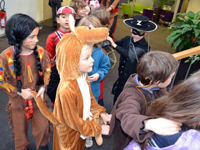Kinder verkleidet beim Karneval