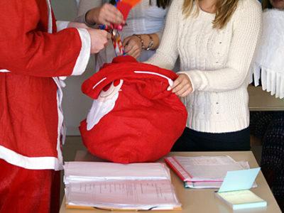 Nikolaus packt seinen Sack