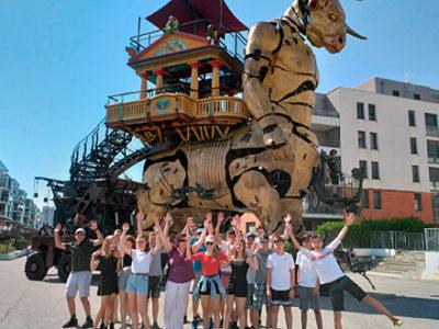 Gruppenfoto Ausflug zur La Halle de La Machine, Toulouse